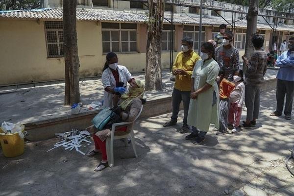 Hình ảnh Nepal tang thương khi trở thành 'Ấn Độ thu nhỏ' thời đại dịch