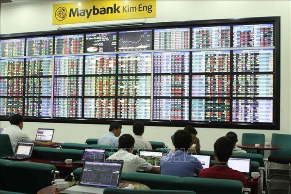Nhóm cổ phiếu ngân hàng khởi sắc giúp VN-Index đà tăng điểm