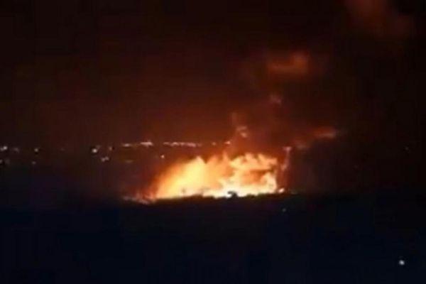 Video thành phố cảng lớn của Syria bị không kích dữ dội