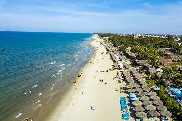 'Cấp cứu' bãi biển nhìn từ Hội An