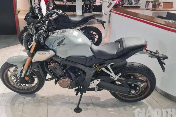 Cận cảnh bộ đôi Honda CB650R và CBR650 2021 hoàn toàn mới vừa về Việt Nam