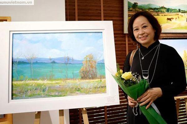 Triển lãm tranh 'Yêu quá đời này' truyền tải cảm xúc lạc quan giữa mùa dịch