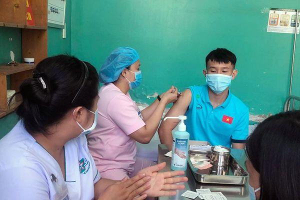 ĐT Futsal Việt Nam tiêm vaccine phòng Covid-19, chuẩn bị tranh vé dự World Cup