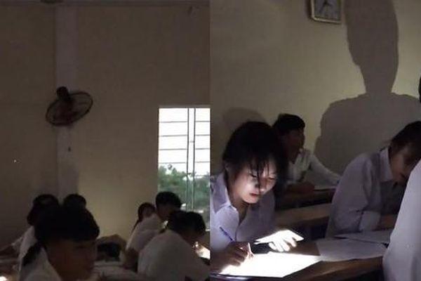 Tranh cãi clip học sinh Nghệ An đi học từ 4 giờ sáng vì lý do… tránh nắng