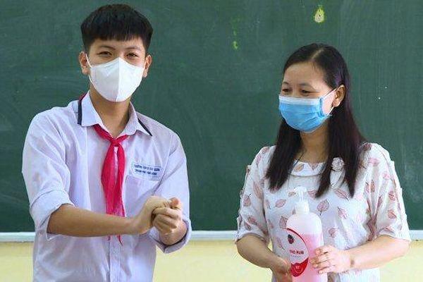 Sau 5 ca dương tính SARS-CoV-2, Thái Bình cho học sinh nghỉ học
