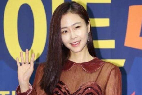 Nữ diễn viên Hong Soo Hyun sắp kết hôn