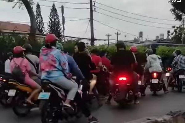 'Quái xế' chặn quốc lộ ở TP.HCM để mừng sinh nhật