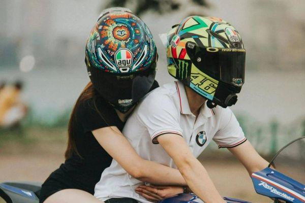 Đôi trẻ Hà Nội yêu nhau nhờ cùng mê môtô phân khối lớn