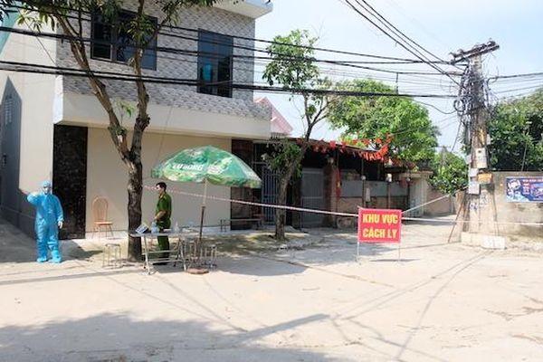 Hà Nội: Phong tỏa xóm nhỏ có 2 mẹ con dương tính lần 1 với SARS-CoV-2 tại huyện Sóc Sơn