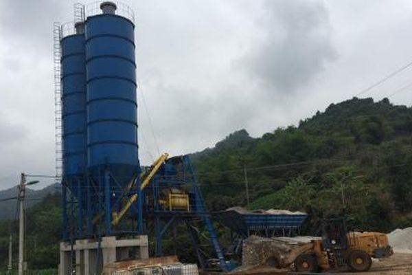 Chủ tịch Cao Bằng chỉ đạo tháo dỡ trạm trộn xây dựng trên đất công