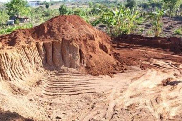 Doanh nghiệp 'trộm' 1.100 m3 đất để làm đường 460 tỷ
