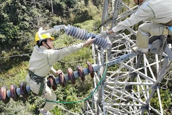Doanh nghiệp lớn thích mua điện trực tiếp, vì sao?