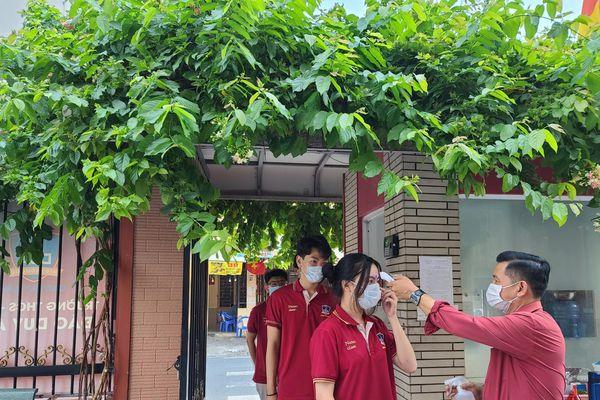 Vì sao Sở GD-ĐT TP.HCM đề xuất cho học sinh tạm ngừng đến trường sau ngày 10/5?