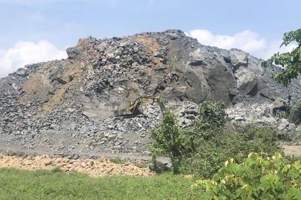 Mỏ đá hết phép ở Thừa Thiên - Huế vẫn ngang nhiên khai thác