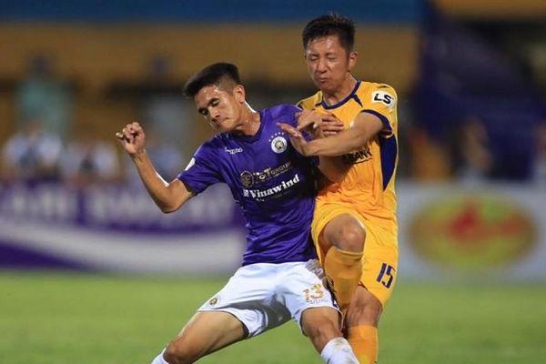 Nếu thua SLNA, Hà Nội FC rơi vào thế nguy hiểm