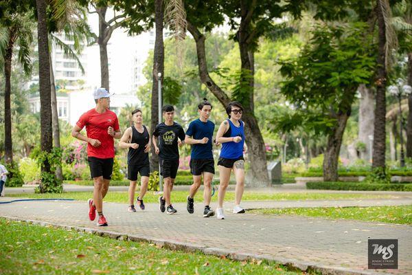 Giữ cho cơ thể bền bỉ khi chạy bộ dưới thời tiết nắng nóng