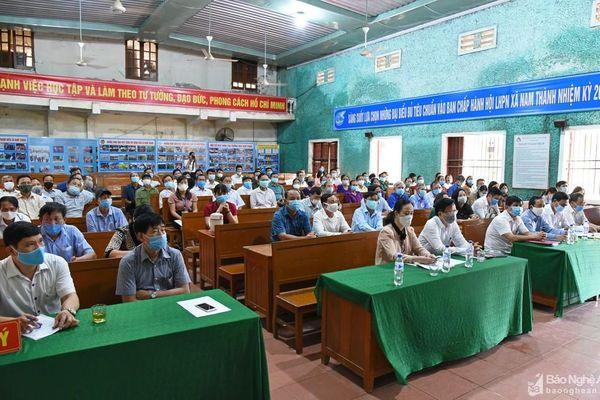 Các ứng cử viên Đại biểu Quốc hội và HĐND tỉnh thực hiện vận động bầu cử tại Yên Thành
