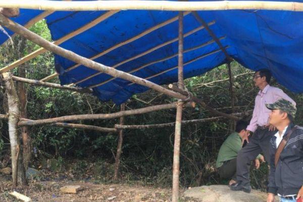 Hai kiểm lâm viên bị hành hung, lán trại chốt chặn kiểm soát bị đốt
