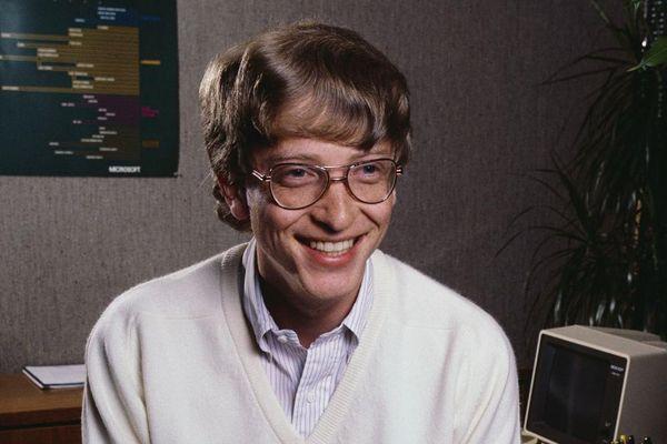 Cách Bill Gates làm để được ngồi cạnh gái xinh thời đi học