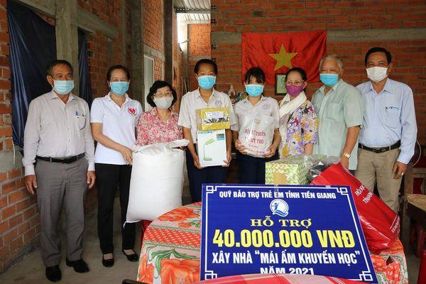 Tiền Giang: Bàn giao Mái ấm khuyến học tại thị xã Cai Lậy