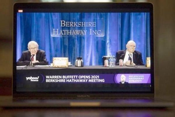 Tỷ phú Warren Buffett: 'Đừng nghĩ định giá của Apple là trên trời'