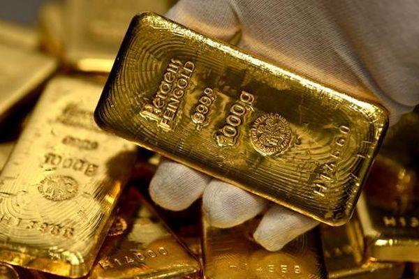 Giá vàng vọt hơn 100.000 đồng/lượng, USD tự do lao dốc mạnh