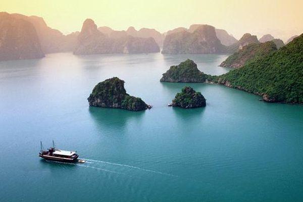 Quảng Ninh 'đóng cửa' vịnh Hạ Long từ 12h trưa ngày 6/5