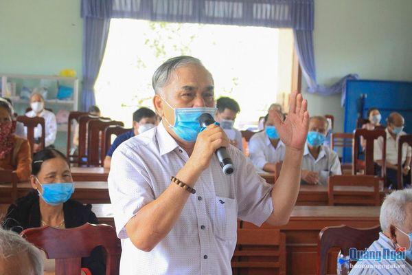 Ứng cử viên ĐBQH và HĐND tỉnh tiếp xúc cử tri tại Thị trấn La Hà, huyện Tư Nghĩa.