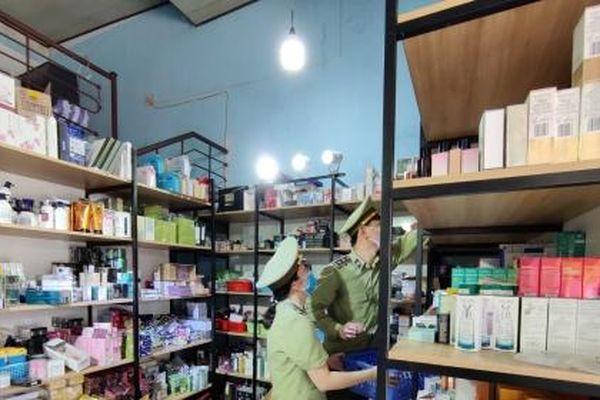 Đà Nẵng: Tạm giữ hơn 1.700 sản phẩm mỹ phẩm, thực phẩm chức năng không rõ nguồn gốc