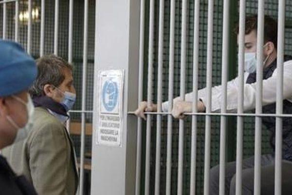 Italia tuyên án 'chung thân' hai sinh viên Mỹ đâm chết cảnh sát