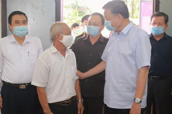 Bộ trưởng Tô Lâm tiếp xúc cử tri tại Hưng Yên