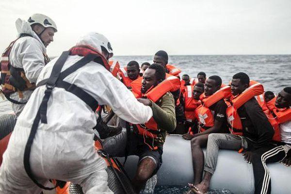 Tunisia giải cứu hàng chục người nhập cư trái phép