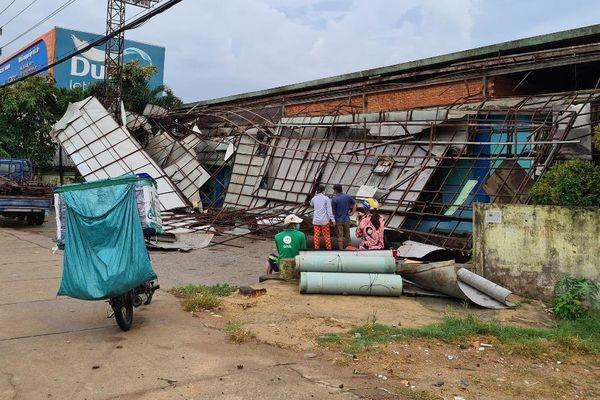 Bình Dương: Nhiều người bị thương do mưa lớn