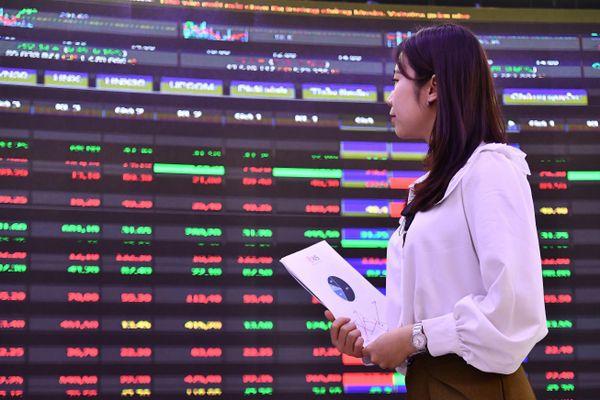 Thanh khoản chứng khoán Việt tương đương Singapore