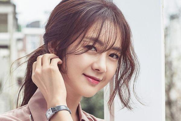 Mỹ nhân Hàn từng mang tiếng phụ tình Kim Rae Won