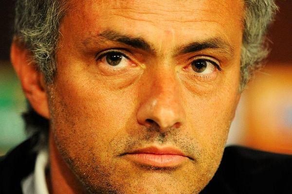 Mourinho lại đấm vào quá khứ