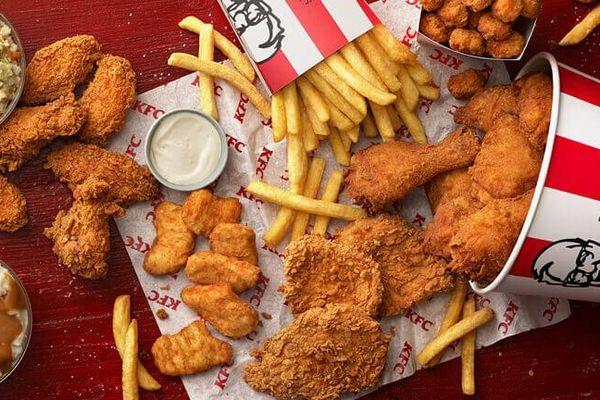 Nước Mỹ thiếu thịt gà, các nhà hàng thức ăn nhanh chật vật