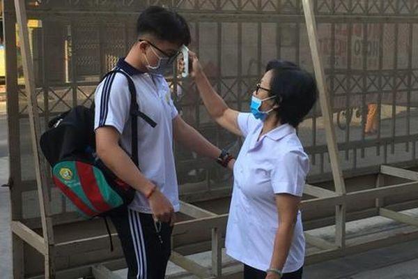 21 tỉnh, thành cho học sinh tạm dừng đến trường