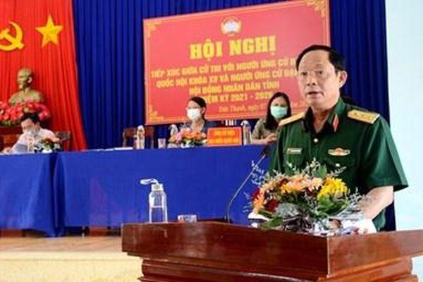 Thượng tướng Trần Quang Phương tiếp xúc cử tri tại huyện Mộ Đức và Minh Long, tỉnh Quảng Ngãi
