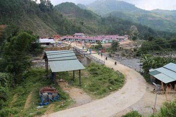 Nhịp sống yên bình tại khu tái định cư Bằng La