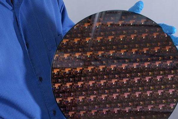 IBM công bố công nghệ chip xử lý 2 nanometer đầu tiên trên thế giới