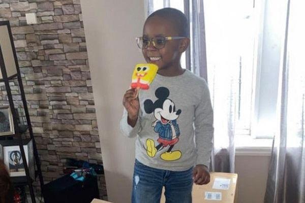 Thích thú đặt mua kem vì có hình SpongeBob, con trai 4 tuổi khiến mẹ 'ngất xỉu' khi nhìn giá tiền