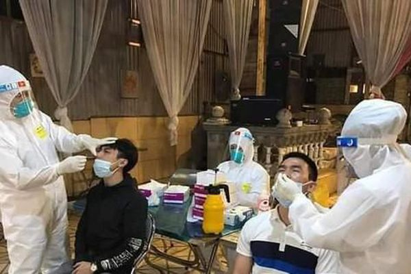 Một bệnh nhân COVID – 19 người Bắc Ninh đi nghỉ mát cùng công ty ở Thanh Hóa