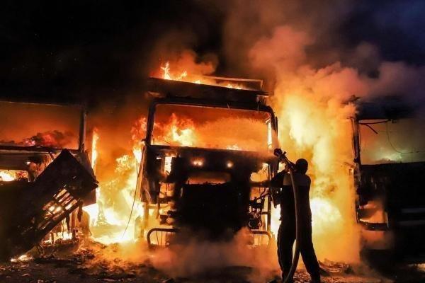 Hệ thống phòng không đình đám của Nga bị 'đánh lừa', Syria rực lửa