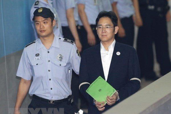 Dù chịu án tù, tài sản của 'thái tử' Samsung vẫn tăng đột biến tỷ USD