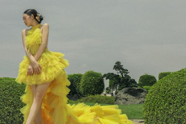 Say đắm với loạt váy áo mang hơi thở Á Đông nhẹ nhàng cho mùa Hè