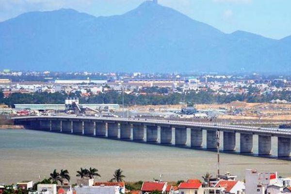Xem xét bổ sung đê chắn sóng cảng Bãi Gốc vào kế hoạch đầu tư công trung hạn