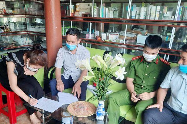 Bắc Giang: Lực lượng chức năng đi từng ngõ, rà từng đối tượng để tuyên truyền phòng dịch