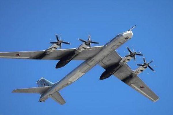Tu-95 сủa Nga khiến Không quân Mỹ 'rối trí', phải làm việc quá tải