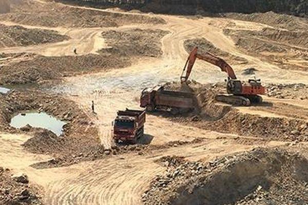 Cần xử lý nghiêm doanh nghiệp vi phạm khai thác mỏ đất
